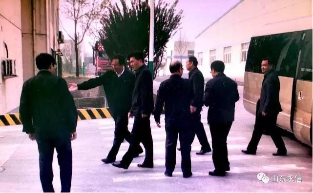 章丘区委书记刘天东一行莅临公司视察